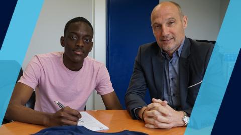 Jérémy Mangonzo signe son premier contrat pro
