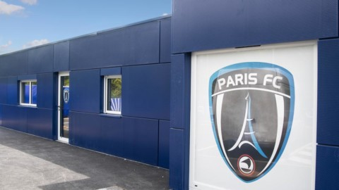 Les clubs professionnels de football soutiennent le Bleuet de France