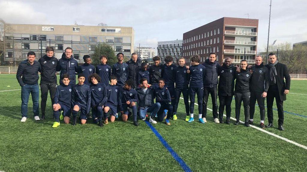 Des anciens de l'Ajax en visite au Paris FC